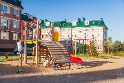 Детские площадки во дворах квартирных домов.jpg
